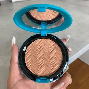 mac x patrick starr hot and heavy highlighter